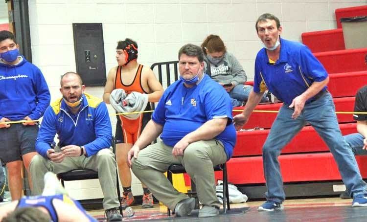 Three Husky wrestlers qualify for District Wrestling meet