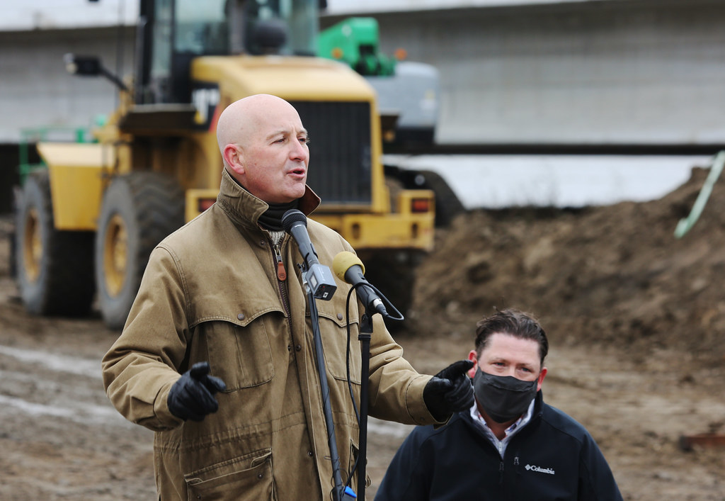 Governor Pete Ricketts at Spencer Bridge opening