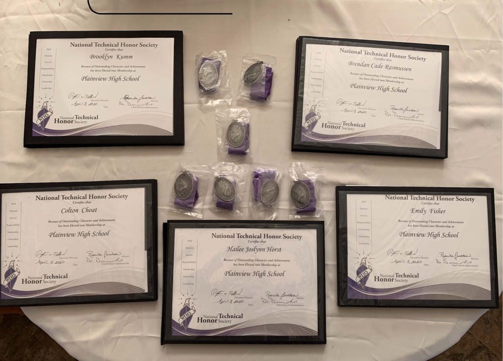 NTHS induction held for high school seniors