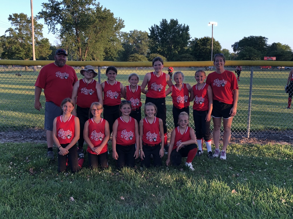 10U girls softball closes winning season
